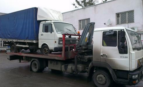 Евакуація вантажних автомобілів