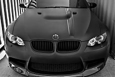 Автомобиль BMW оклеенный матовой виниловой плёнкой