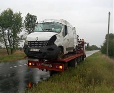 Эвакуация буса Renault после аварии